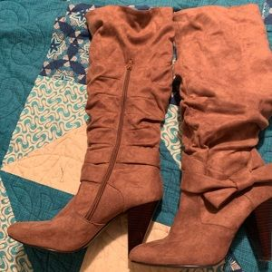 Diva boots size 9